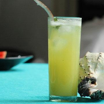 лечение с ананасовой водой