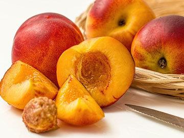 Прием фруктов и чая строго чередовать