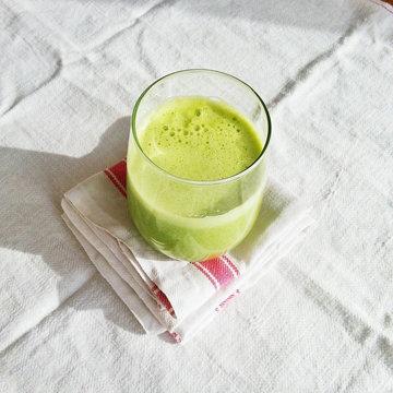 Как похудеть в талии в помощью полезных соков