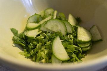 Огурцы - это освежающая, питательная и невероятно универсальная добавка к любой диете