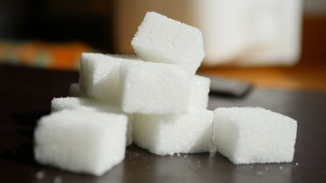 От сахара следует отказаться совсем