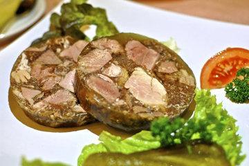 Мясной салат с желатином