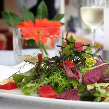 разные сорта салатов