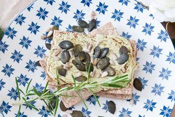 Рецепт хрустящих хлебцев с розмарином