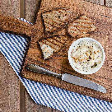 Домашний маргарин с кедровыми орешками и трюфельным маслом