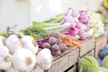 Нужно ли покупать органические (био) овощи и фрукты