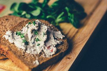 Паста на хлеб вместо колбасы