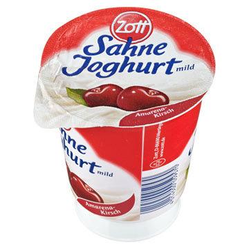 Крем-йогурт с нежной вишней амарены